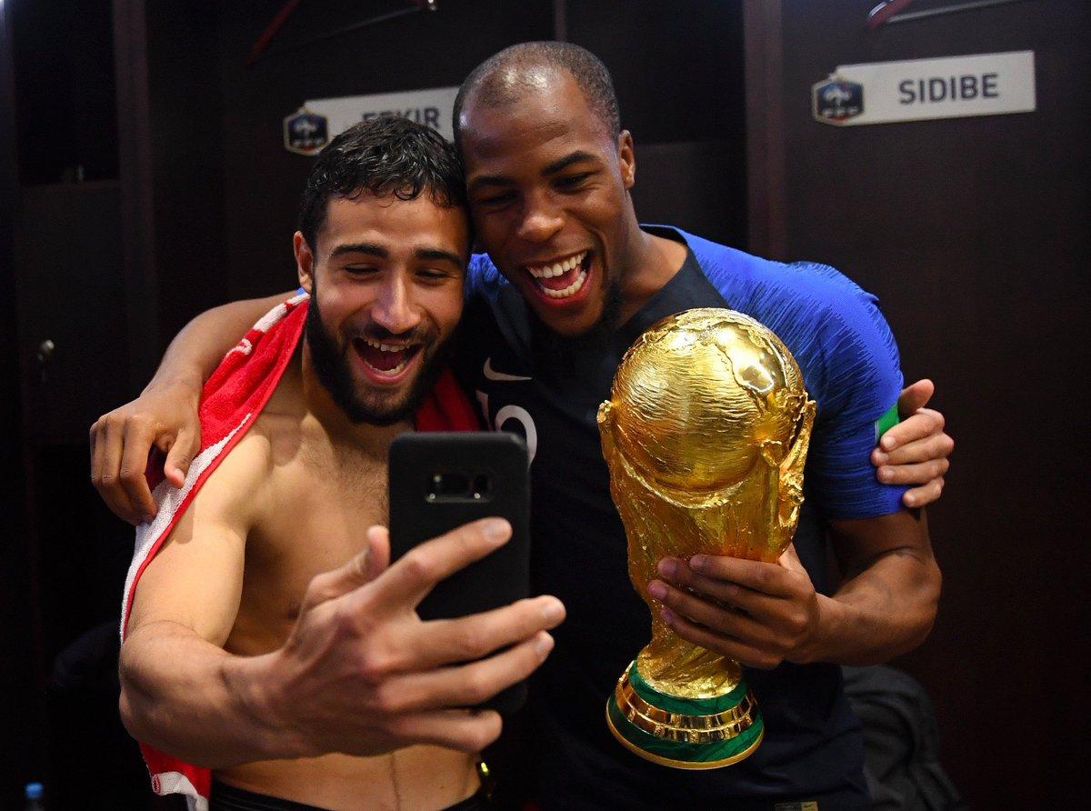 Coupe du Monde de Football - Russie 2018 - Page 8 DiKulV1X4AA6Hjd