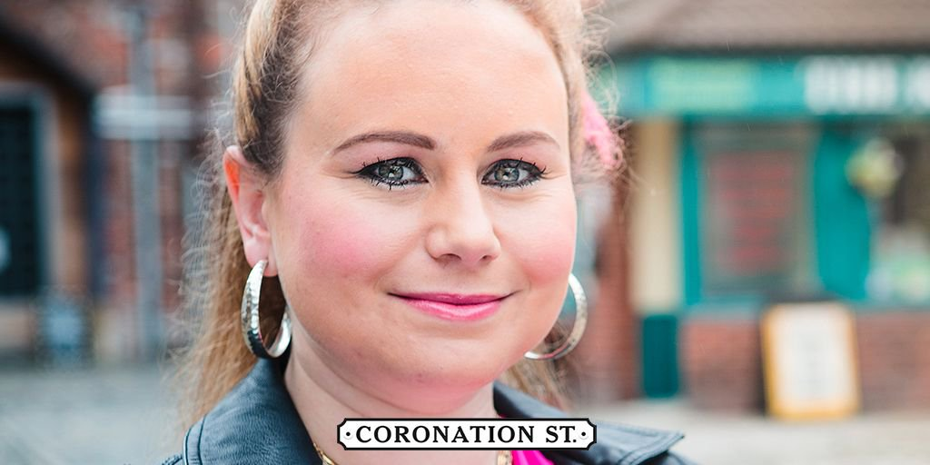 INTERVIEW: Dolly-Rose Campbell talks about Henry and Chesney's rivalry to win Gemma's heart! Will she stick with Chesney or recouple with Henry?  https://t.co/YvlfVbZurq #Corrie #LoveIsland