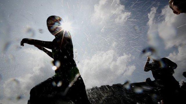 #날씨 오늘도 '찜통 더위' 이어진다…대구 37도, 서울 34도. 전국 곳곳 폭염 경보 발령. 열사병, 탈진 등 온열 질환 위험도 점점 커져. https://t.co/KUSvhbqVC5