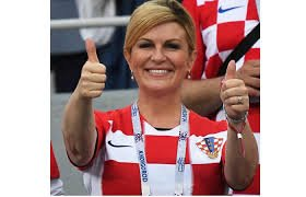 She is a rare breed! President Kolinda Grabar-Kitarovic, President of Croatia, attended every Croatia match at the #WorldCup, travelling in economy class and sat with the fans in the stadium. She refused to be paid for her days not at work. She is a leader to beat! #WorldCupFinal Foto