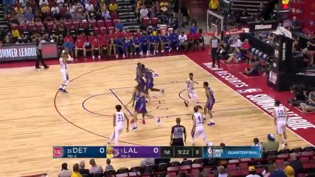 Josh Hart came to play!   A dozen for the @Lakers second year man has LA up 33-14 after 1 Q #NBASummer https://t.co/lLXqG7Lf41
