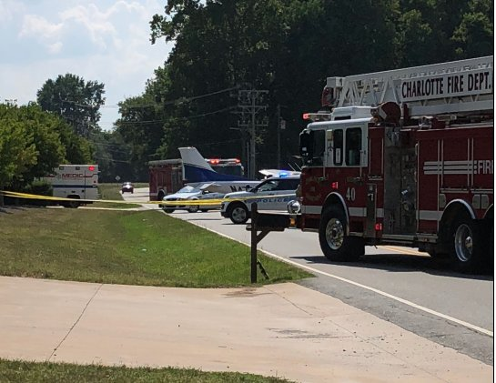 #BREAKING No injuries in accident involving aircraft on road in Charlotte » https://t.co/FU76J7Gky5