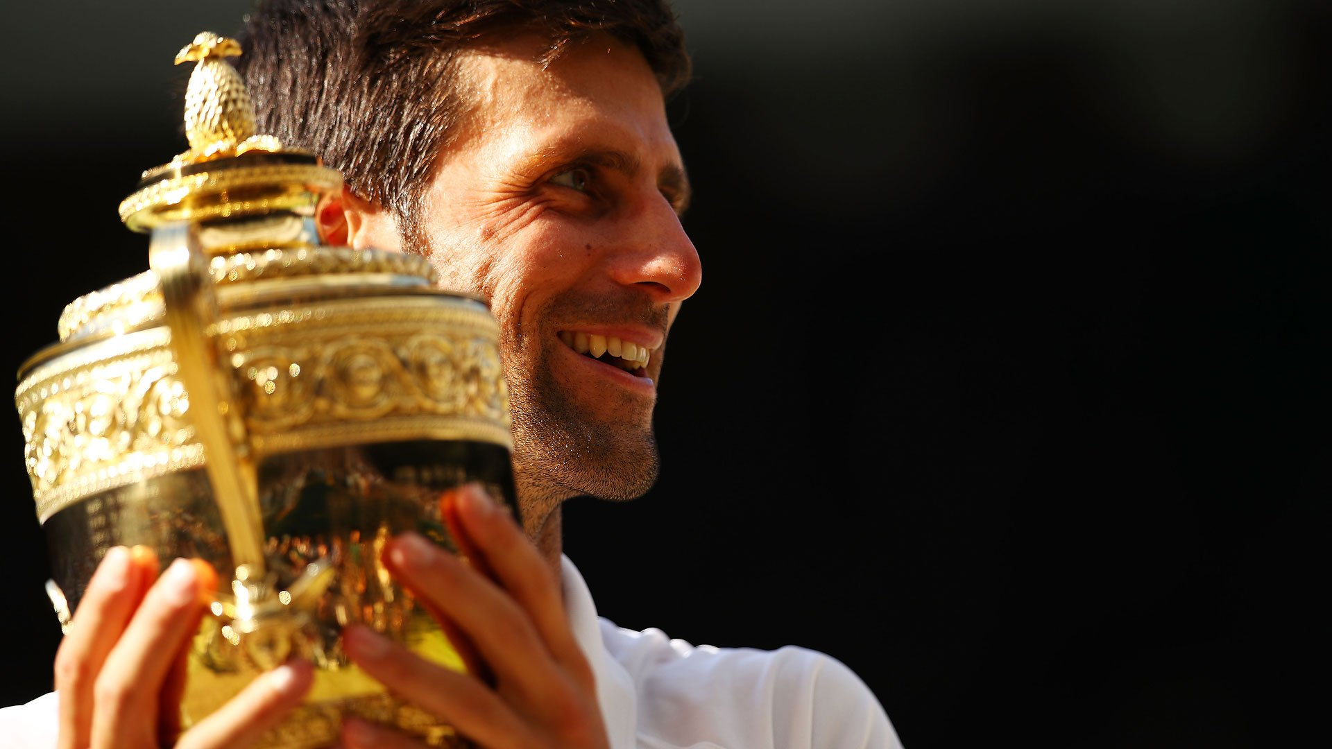 How did Twitter react to Novak Djokovic's fourth #Wimbledon ��?  Read More ▶️ https://t.co/Alz9DSmTai https://t.co/4m0h11nsWE