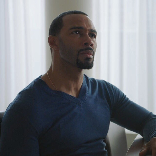 My favorite part of this week&#39;s #PowerTV was Ghost&#39;s magical beard growing ability from one scene to the next. <br>http://pic.twitter.com/bImPfsB867