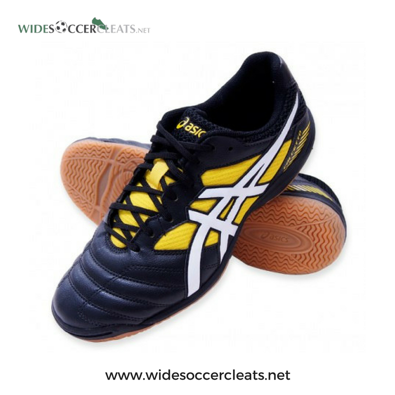 Wd7 Wide Futsal Shoes Is The Best To Use Http Bit Ly 2cmvrfg Asics Asicscalcetto Soccer Soccercleats Soccerboots Football Widesoccercleats