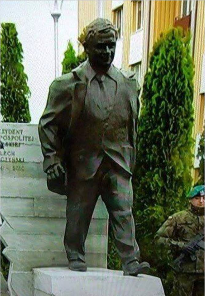 Poland - the country that is lucky to have a very accurate monument of Bilbo Baggins <br>http://pic.twitter.com/oyu18lAJj9