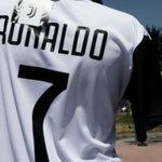 Image for the Tweet beginning: Transferts : Ronaldo explose déjà