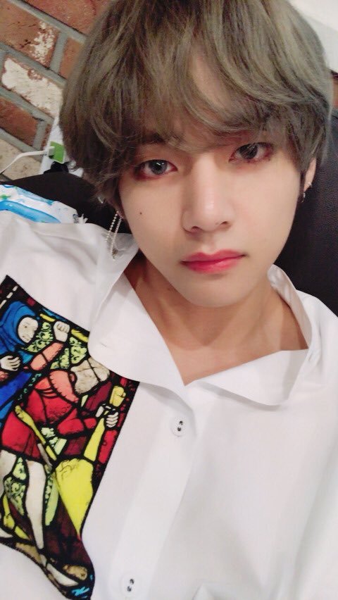 TAEHYUNG 16.07.2018  ✎ Hello!  Thanks for giving us a million!  We all know what purple means, right?Purple is the last color of the rainbow! It means that we will love and trust each other for the rest of our lives forever!!  That's why, I purple you.<br>http://pic.twitter.com/jD6Jr7t7vQ