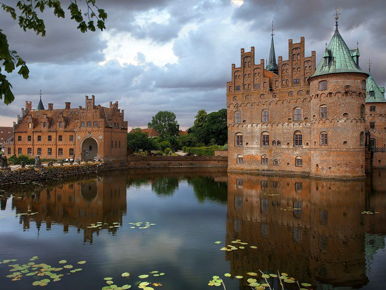 These 12 European castles are straight out of a fairytale https://t.co/PKtOXOFgnI