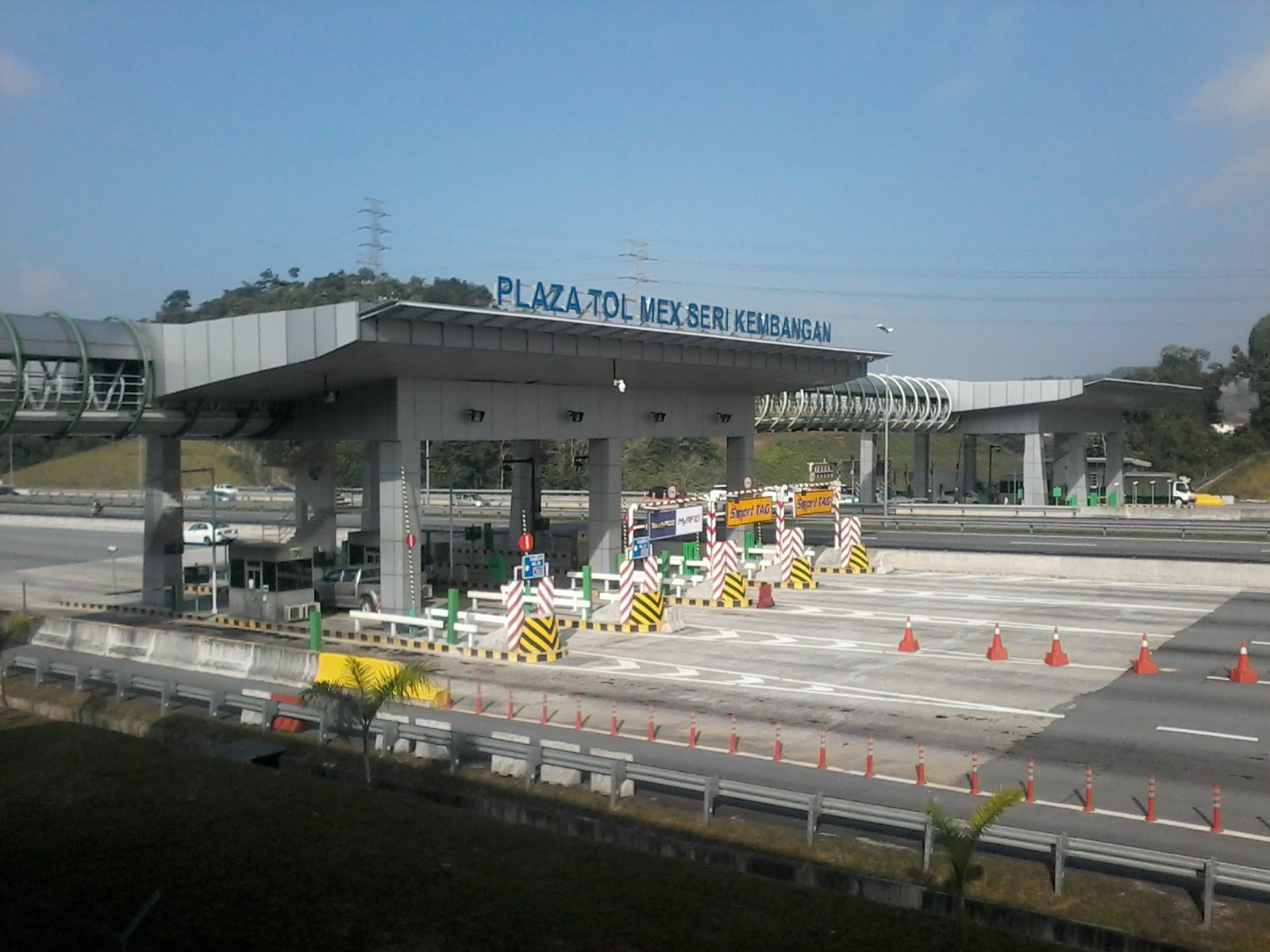0930hrs: Semua lorong berfungsi dengan baik. Hati-hati memandu (Plaza Tol Seri Kembangan) https://t.co/CxGRjwxMQ3