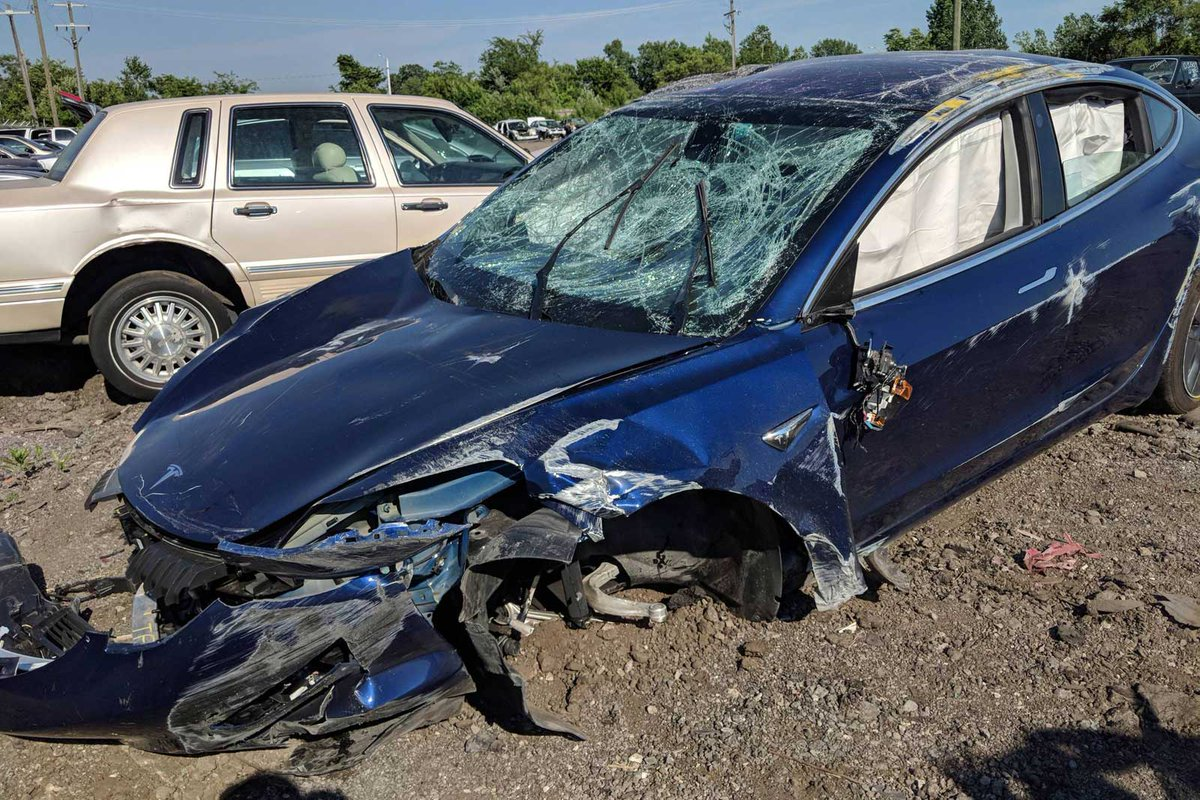 Tesla Model 3 rollover crash shows its real-world safety https://t.co/M04erAVbDO