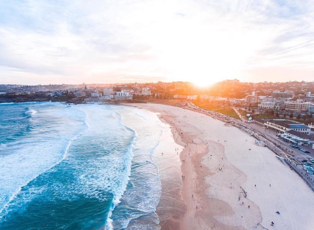 INSTAGRAM OF THE DAY: Winter may be in full swing but it doesn't mean you can't hit the beach! From weekend markets to scrumptious cafes and magnificent coastal walks, Bondi has it all! #ilovesydney  📷 IG/breathebondi