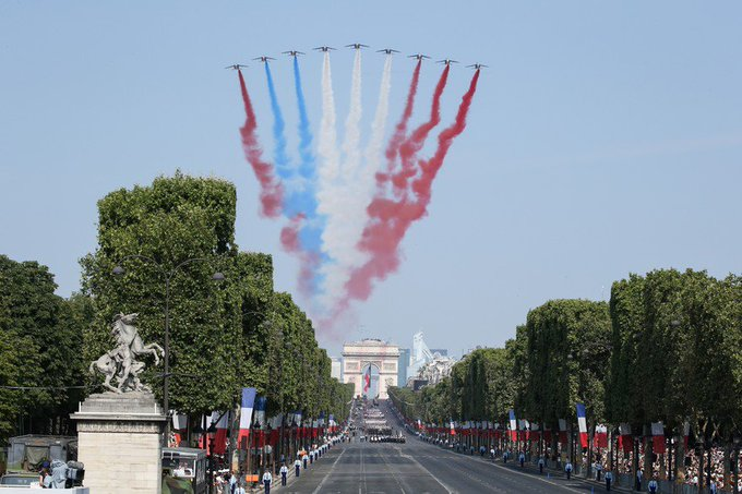 Quelques couacs, mais beaucoup de symboles. « La France reste la seule, en Europe continentale, à faire défiler ses troupes. » #14juillet Photo