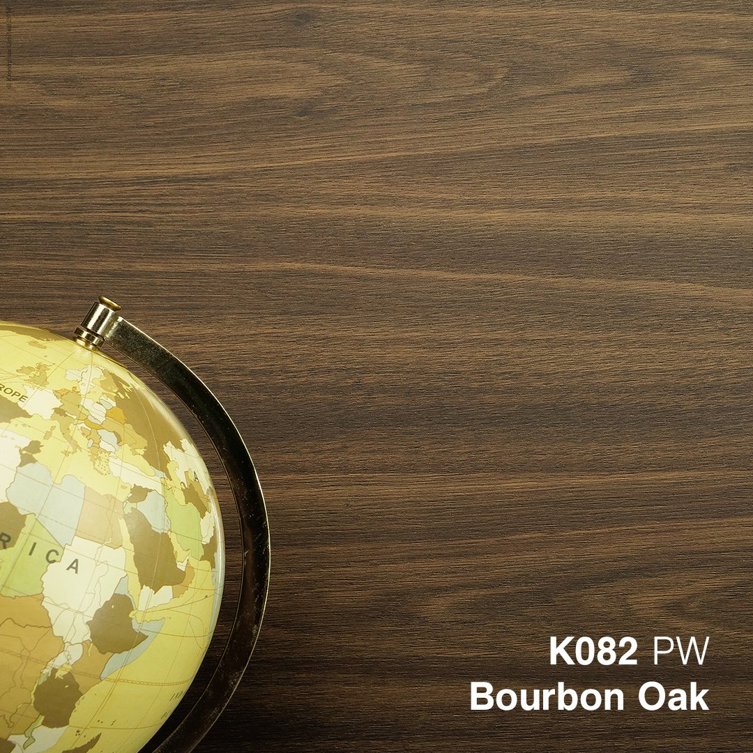 Our #BourbonOak fits perfectly within the #Expressive theme from our #Trends1819 collection thanks to its sophisticated look. Add some warm tones in your interior with our oak wood grains for a cosy and comfortable atmosphere. #Kronospan #Kronodesign #MFPB #MelamineBoards #Design https://t.co/MP3amEVEzP