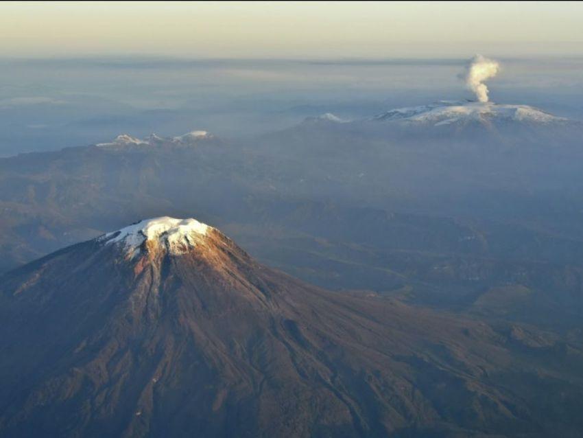 A cause du #réchauffement climatique, la #Colombie a perdu un cinquième de ses #glaciers en 7 ans  https:// www.sciencesetavenir.fr/nature-environnement/climat/a-cause-du-rechauffement-climatique-la-colombie-a-perdu-un-cinquieme-de-ses-glaciers-en-7-ans_125851?xtor=RSS-15&utm_medium=social&utm_source=twitter  - FestivalFocus