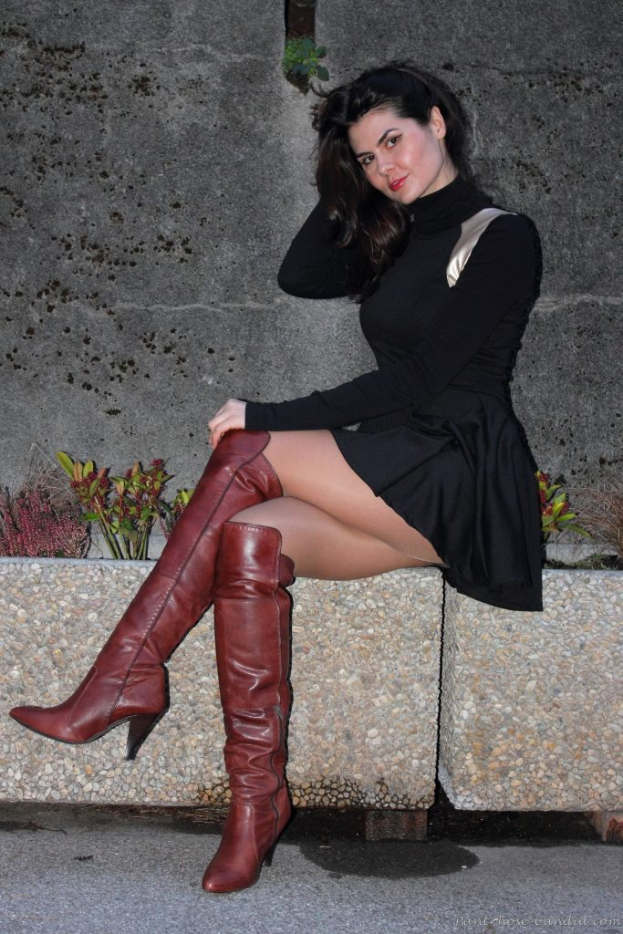 Women in boots and black pantyhose, sexy moms milfs that fuck boys
