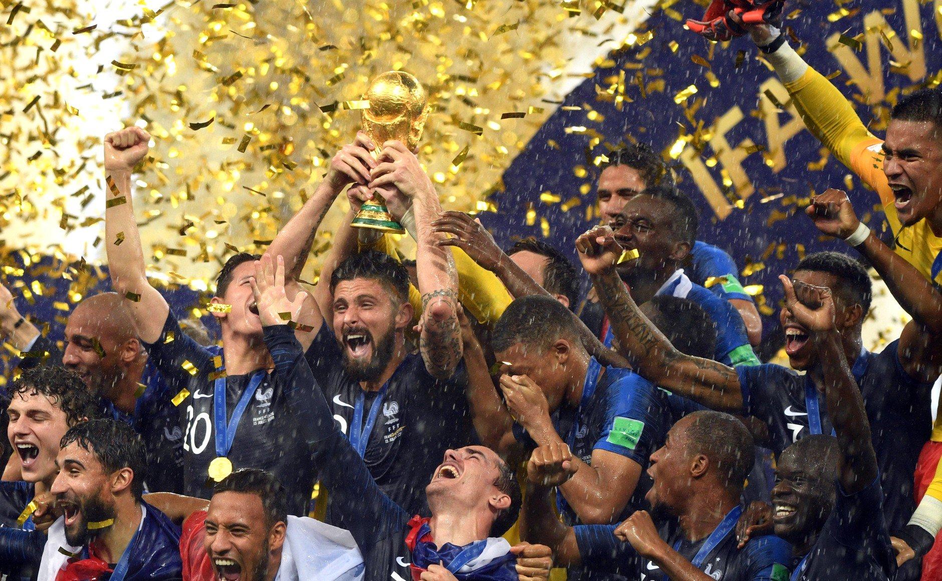 поздравление по футболу чемпионами мира строили