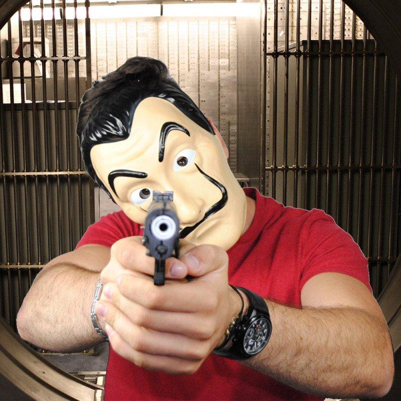 Un masque Salvador Dali pour braquer la Casa de Papel ! #lacasadepapel #salvadordali #masquebraquage #masquelacasadepapel #masquesalvadordali Shop -&gt;  https:// goo.gl/GqTfQR  &nbsp;  <br>http://pic.twitter.com/aLHnmgvSW4