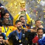 Image for the Tweet beginning: La France est championne de
