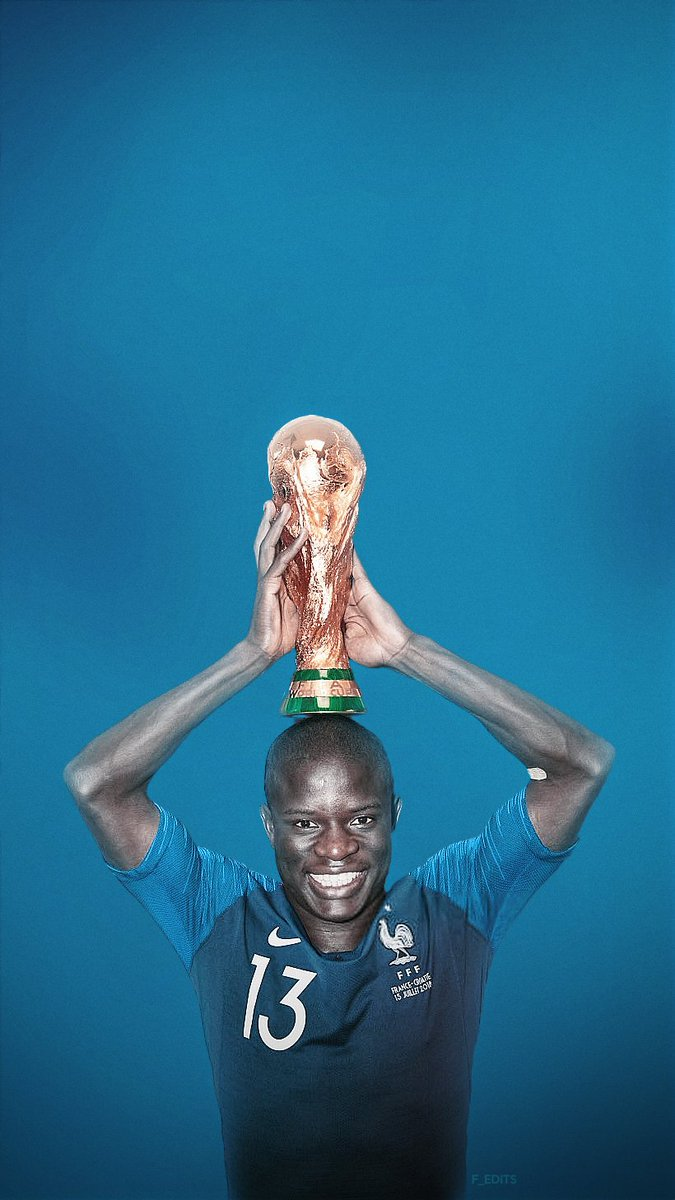 N'Golo Kante with the WorldCup trophy #FRA @nglkantepic.twitter.com/JDgO7VTwyZ