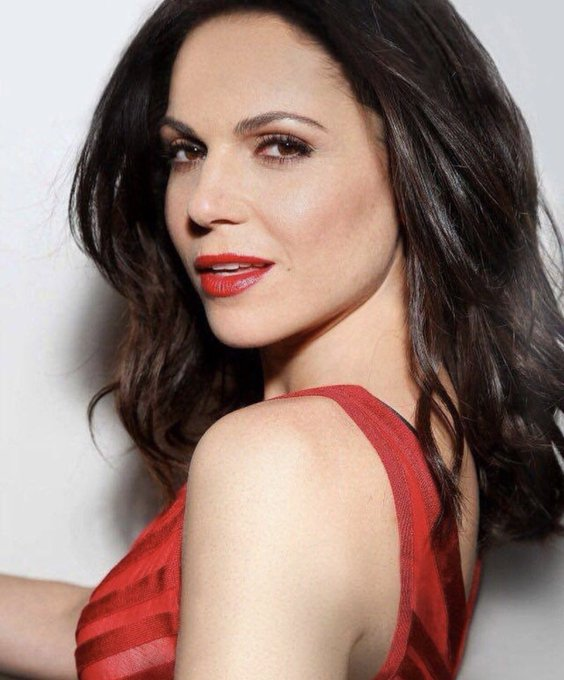 Happy Birthday to the fairest of them all, Lana Parrilla    xo