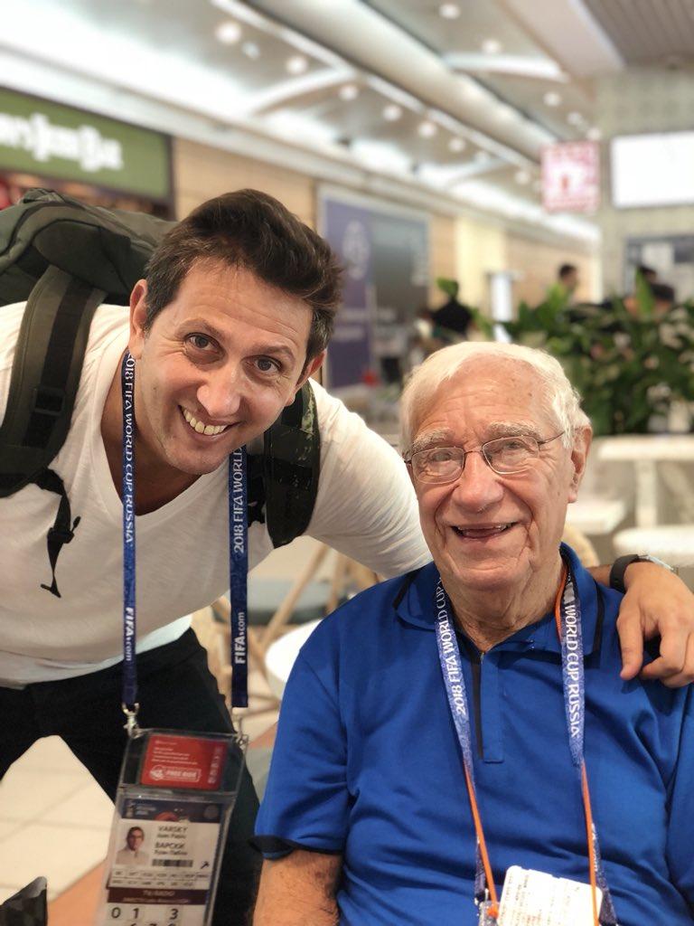 Respeto y admiración por este hombre. Gracias por la inspiración de tantos años, querido Enrique!