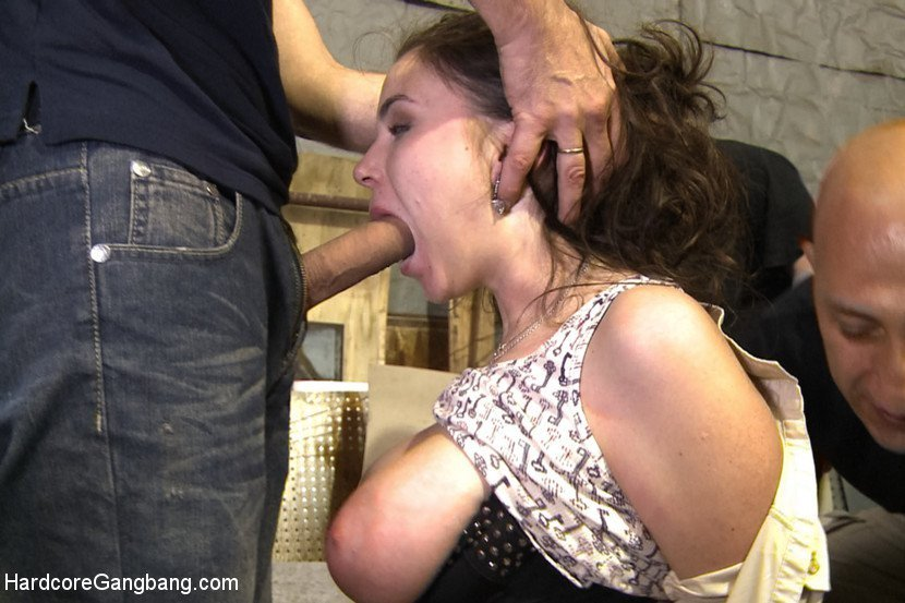 Elle Voneva Forced Her Cuckold To Suck Her Bulls Cock