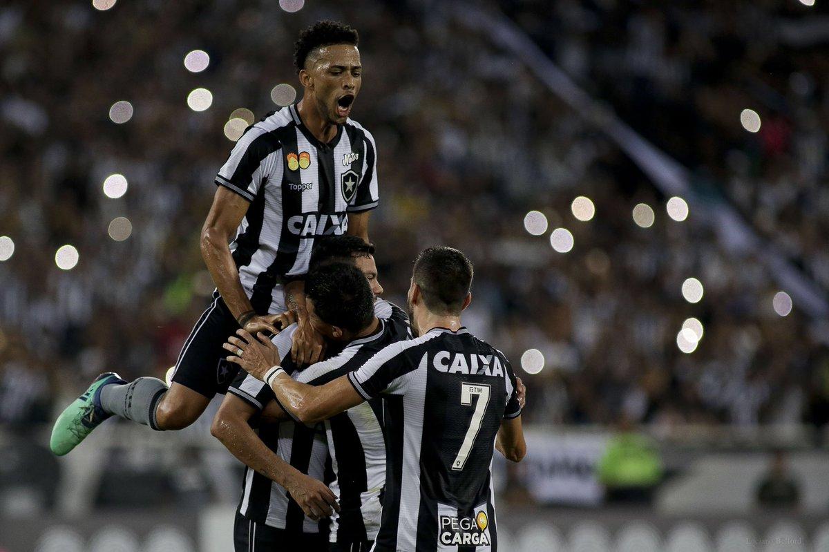Valeu, Copa do Mundo, mas essa semana tem Fogão de volta! 🙌🏼 #VamosFOGO ⭐️  📷 Vitor Silva / SS Press / BFR