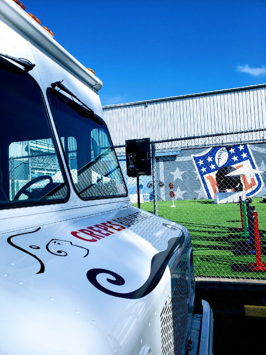 Thanks @NFLNetwork for inviting us to cater for you! 🏈 #catering #foodtruck #nflnetwork