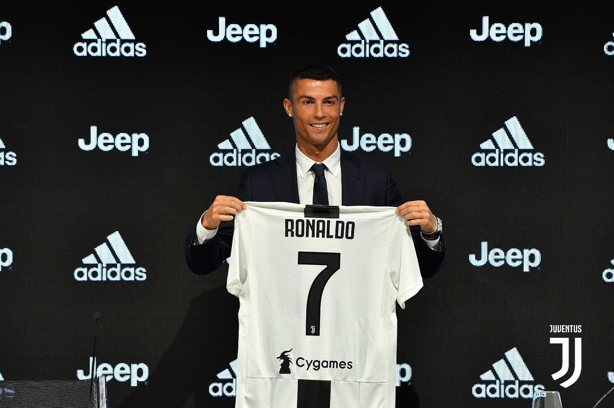 Number of @Cristiano Ronaldo jerseys sold by @JuventusFC in 1 day:   520,000    Total @JuventusFC jersey sales in 2016:     850,000   The CR7 effect.<br>http://pic.twitter.com/0QeOEK30Vq