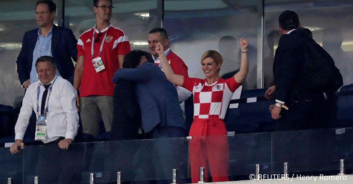 Lors de la Coupe du Monde, la Présidente croate a charmé le monde entier excepté… ses concitoyens https://t.co/vMdbz774Fh