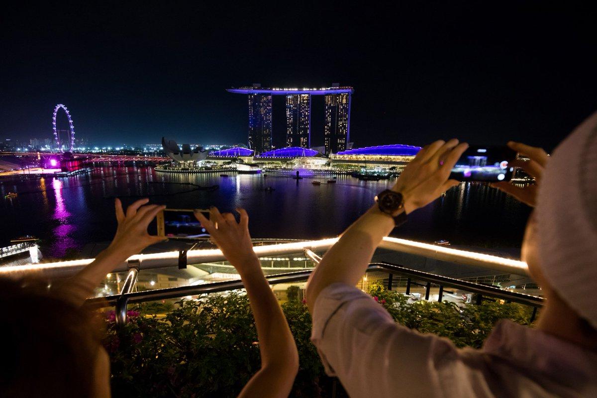シンガポールは25年までに小切手廃止、現金引き出しも減らす https://t.co/c9zsftUzAq