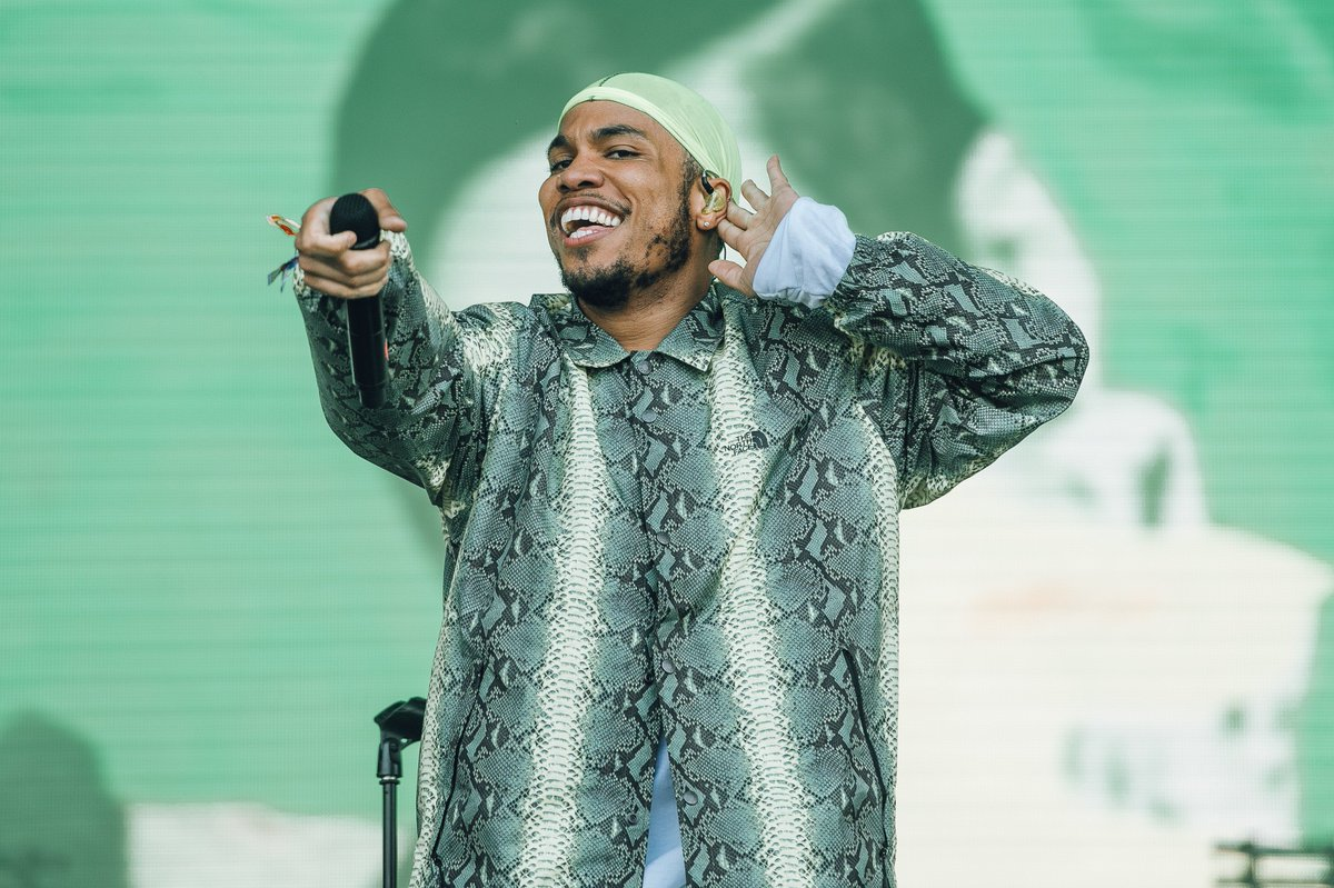 From @AndersonPaak to @KALIUCHIS here are 8 acts we loved at @LoveboxFestival >>>  💫💜  https://t.co/CvbidP8gVv#Lovebox18