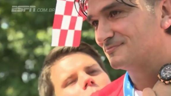 No retorno da Croácia, treinador se emociona e não segura lágrimas VEJA! #ESPNnaRússia  https://t.co/2u5IuAZQ7f
