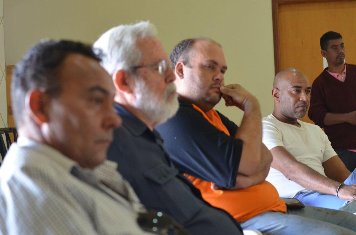 Aqui em Garça, estive na plenária do PT Municipal com o companheiro Luis Carlos Fascina, presidente do diretório municipal do partido, além do ex-prefeito Cornélio Cézar Marcondes e o companheiro Chico Viana, do PCdoB.