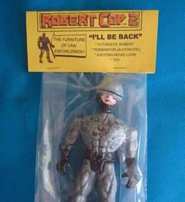 who wants to see #Robocop vs Robertcop? <br>http://pic.twitter.com/iRkERkSQ0I
