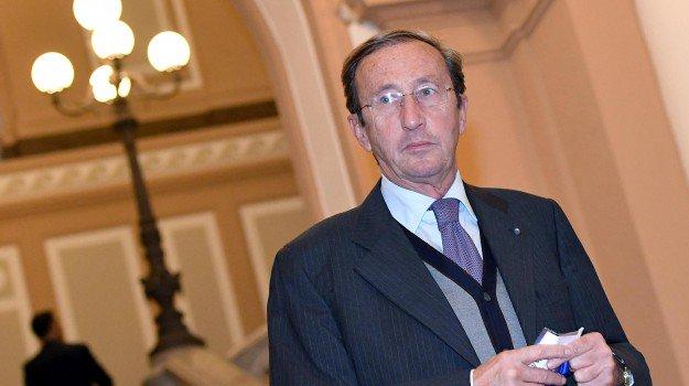 Riciclaggio, #GianfrancoFini rinviato a giudizio https://t.co/xMv1Dk9uAp
