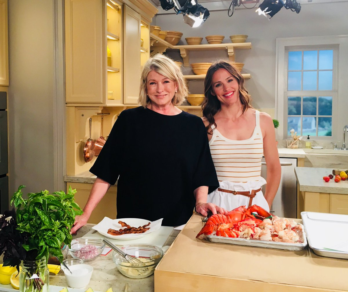 I'm on Facebook LIVE right now with actress Jennifer Garner making delicious summer recipes. Tune in!