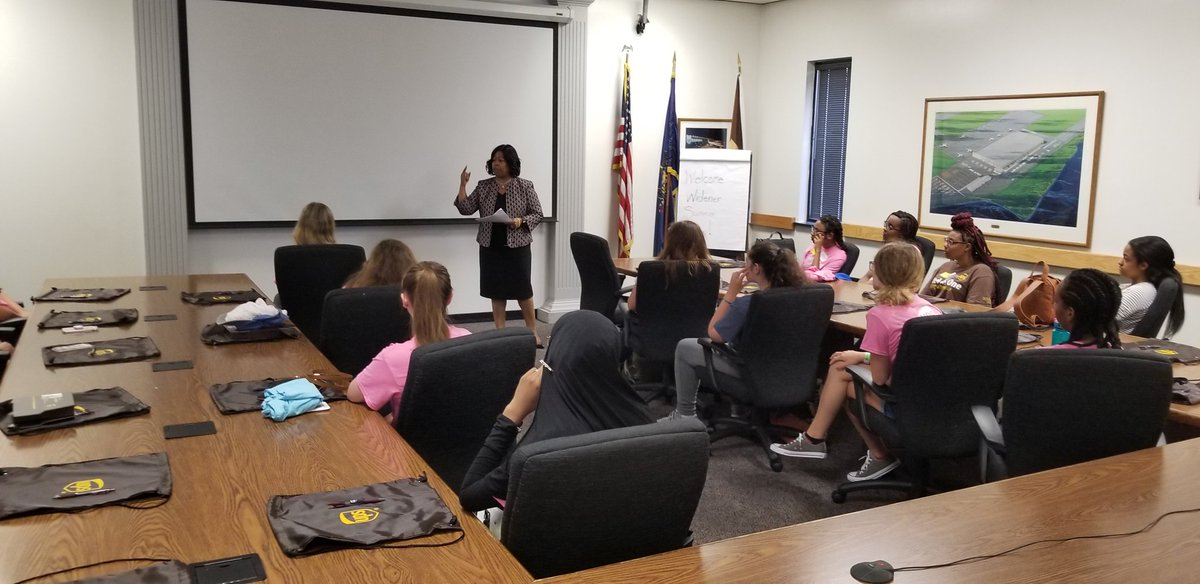 Trayce Parker President of UPS Chesapeake District speaks to High School Students from the Widener School of Business Summer Camp on UPS History and attending college.