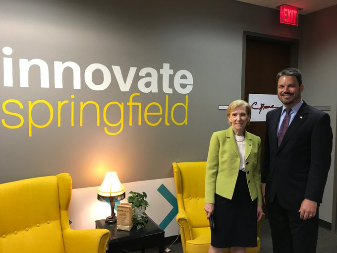 RT @ChancellorKoch: So happy to welcome Eric Berglund today as Springfield's Director of the new Economic Development Corp. #UISedu #Univer…