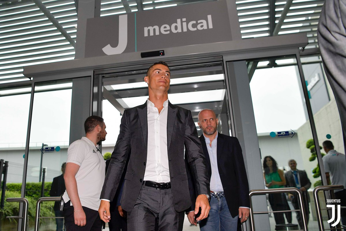 &quot;I&#39;m not here on holiday, I&#39;m here to make history&quot; - @Cristiano <br>http://pic.twitter.com/UQeKhLALIA