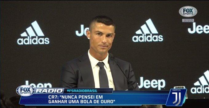 🇮🇹🤖 Eu vou tentar dar o meu melhor, como sempre. Quero conquistar títulos, diz Cristiano Ronaldo! #FSRádioBrasil Foto