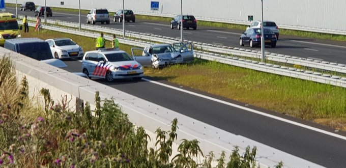 Ongeluk op de A4 bij Schipluiden richting Rotterdam. Vertraging ter plaatse berging gaat zo beginnen https://t.co/0uoHMRrM7T