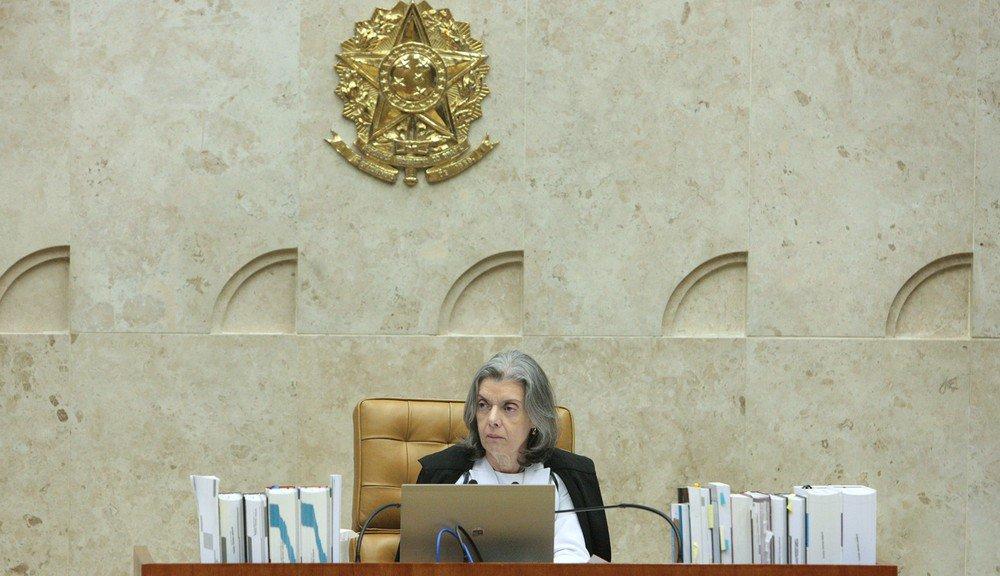 Cármen Lúcia suspende as novas regras da ANS que encarecem planos de saúde https://t.co/yTrixugNOr #JornalHoje