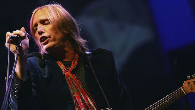 40 years ago today, @tompetty & the Heartbreakers took the stage in Boston. Listen to the full concert of now-classic hits. https://t.co/dmX1fbol6e