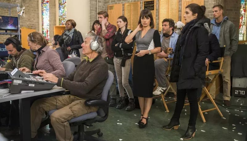 The fourth and final season of Unreal is available on Hulu at this very moment https://t.co/OpkdK2U4dM