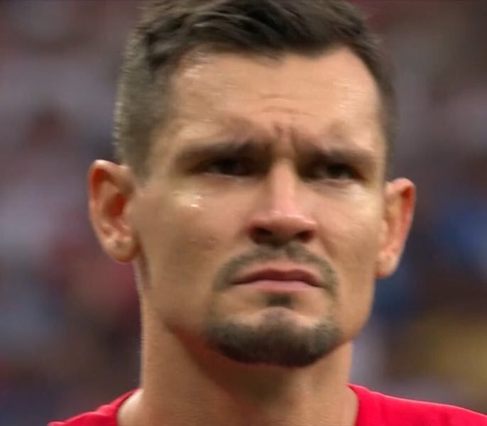 Confirmed: Liverpool statement says doctors have confirmed that Dejan Lovren had concussion whilst he was announcing himself as one of the best defenders in the world. <br>http://pic.twitter.com/LYkWg0Jz99