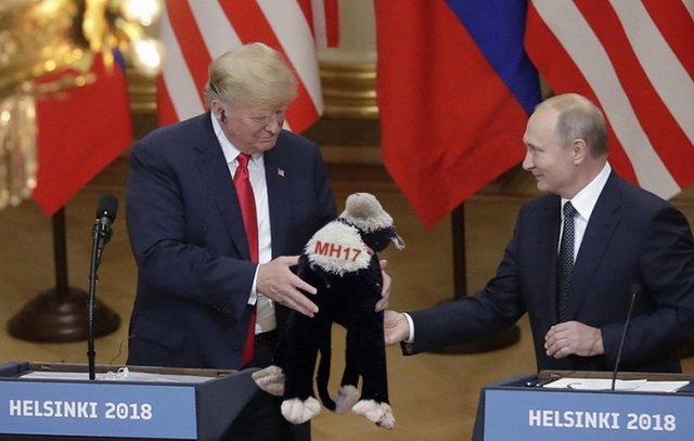 """Сенатори-республіканці розкритикували зустріч Трампа та Путіна і запропонували пошукати """"жучки"""" в подарованому м'ячі - Цензор.НЕТ 3963"""
