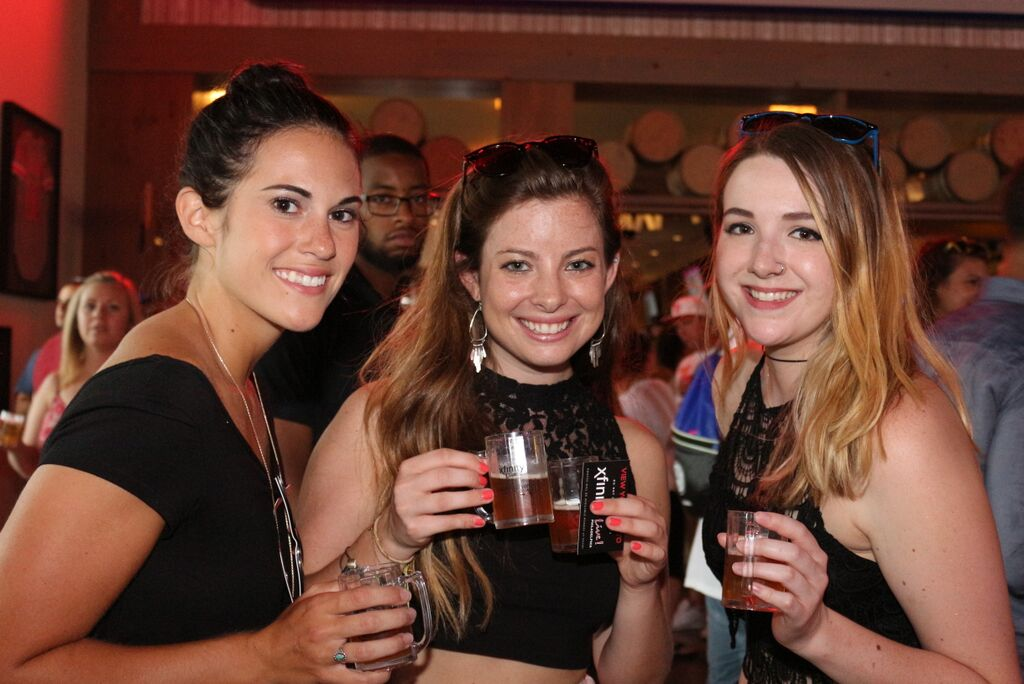 Havent gotten your #SummerFestLive tickets yet? 🍺 What are you waiting for?! Tickets are almost sold out! Click the link and join us for the best summer beerfest in Philly: ow.ly/dlCc30kYRLc