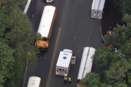 Several injured as 5 school buses pile up in New Jersey https://t.co/pReLnRh3b4